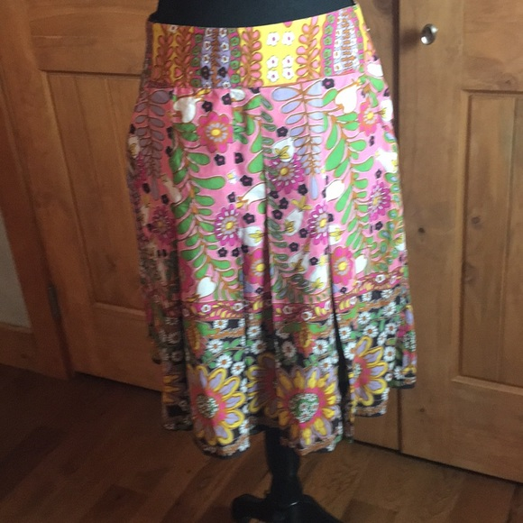 CAbi Dresses & Skirts - Beautiful CAbi floral skirt